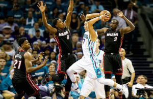 hornets tie miami heat in playoffs