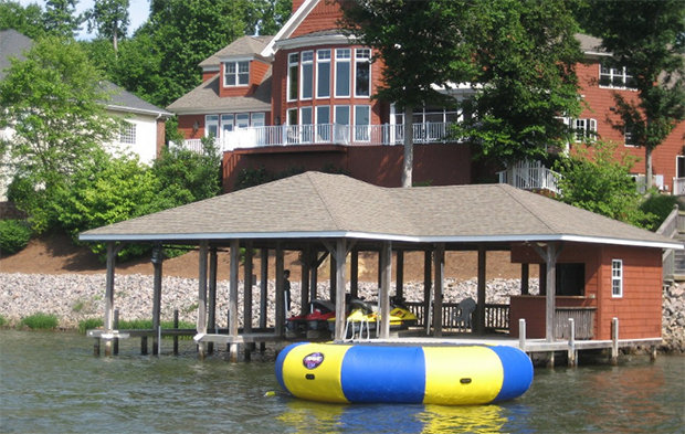 5 massive homes on lake norman you can rent for under 30 per night rh charlottestories com