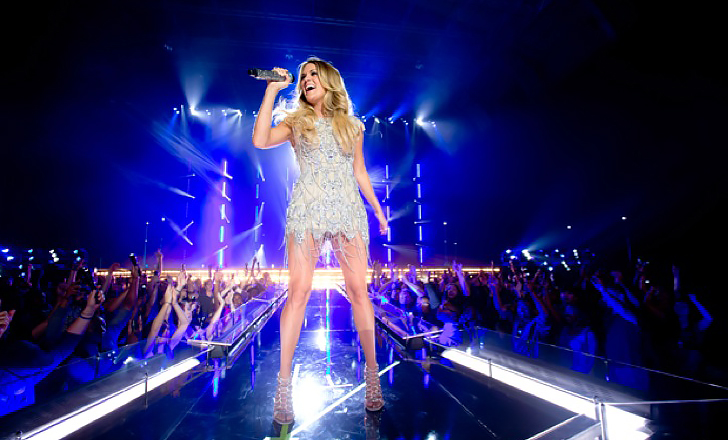 carrie-underwood-in-charlotte