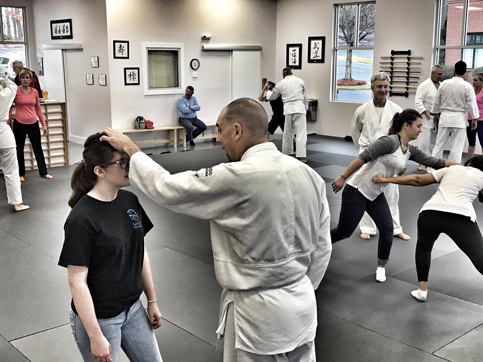 9 Ways to Protect Yourself with these self defense classes in Charlotte
