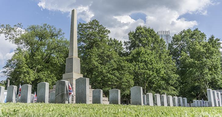 confederate-memorial-pillar-in-uptown-charlotte