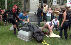 protestors-smash-confederate-statue-in-durham