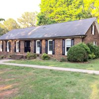 7.5 acres 4BD 3 Bth brick home - Fixer Upper !